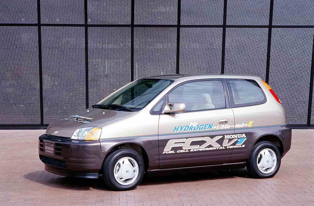 ホンダECO3 - 燃料電池を搭載した次世代車「FCX」の開発と進化