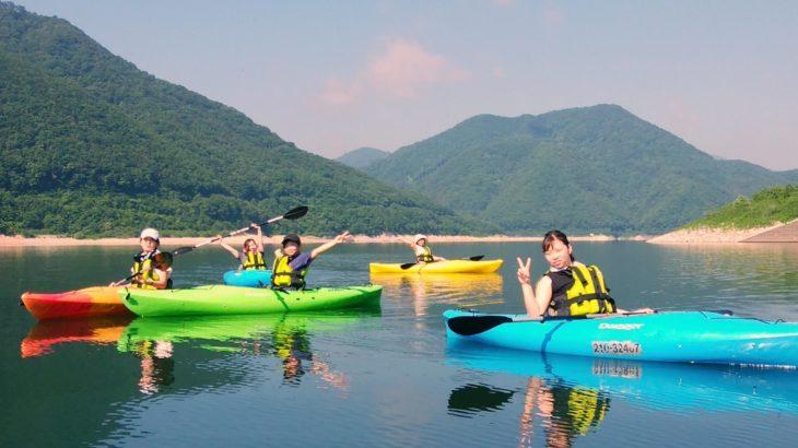 猛暑を爽やかに清流の里で!福島県・摺上川ダムにて『茂庭っ湖カヤックツアー』開催