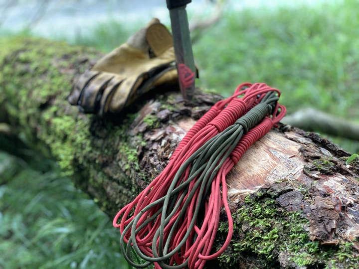キャンプで使うロープはどんなものを何本、何m用意すればいい?