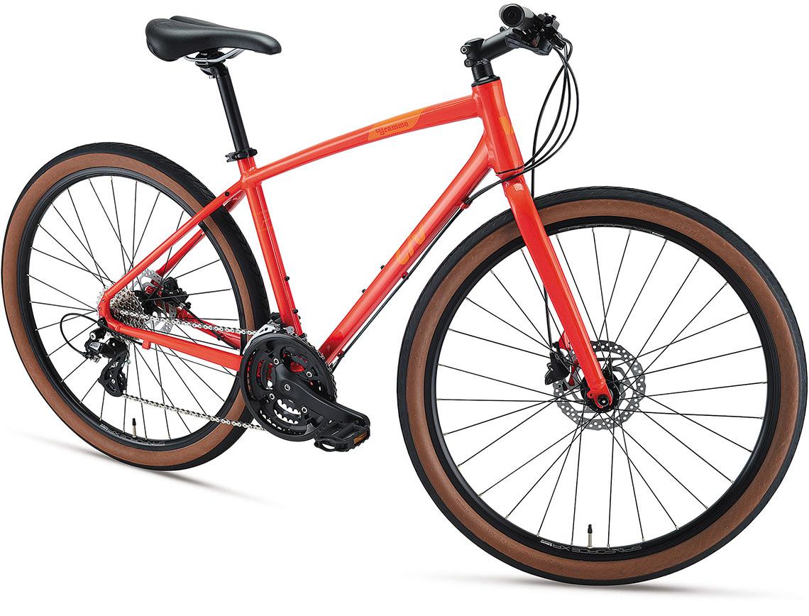 女性向け自転車ブランド「Liv」から太めのタイヤを装着したクロスバイク「GRAMME」の2021年モデルが登場