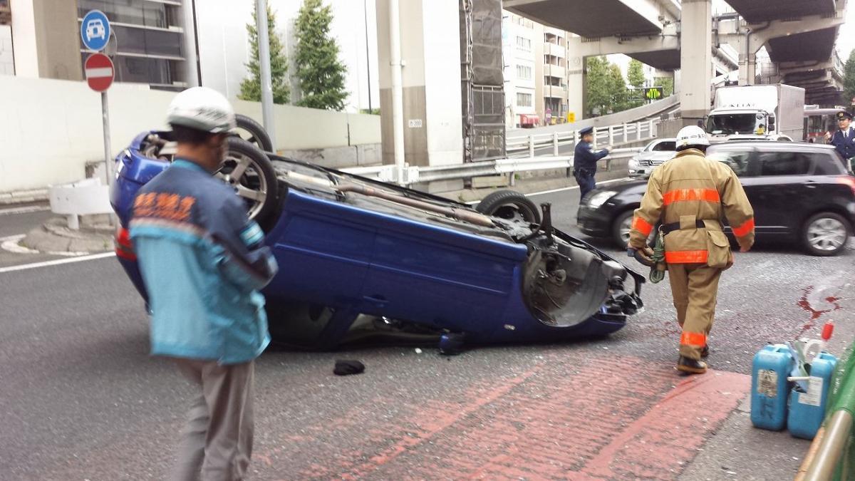 危険な「横転」は意外にも「単独事故」で多かった! その発生原因とは