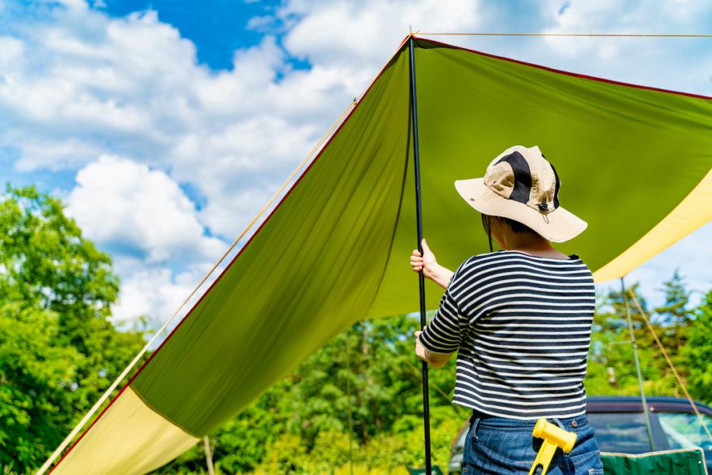開放感のあるリビングが作り出せる!キャンプにおすすめのタープ40選