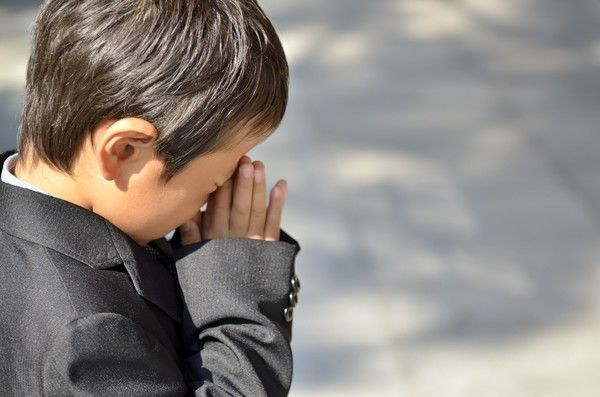 葬式での子どもの喪服・礼服マナーについて解説