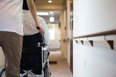 老人ホームで身内が亡くなった場合に必要な手続きとは?