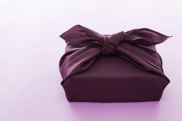御供」のしを使う時とは?お供え物のマナーを紹介します | 安心葬儀