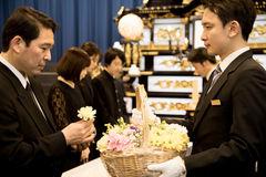 一日葬とは?通夜を省略して行う1日葬の流れや注意点を紹介します