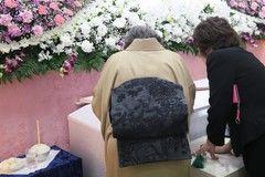 家族葬はどんな流れで行われる?式の時間や日程と予算、搬送・安置や火葬などの流れも紹介します