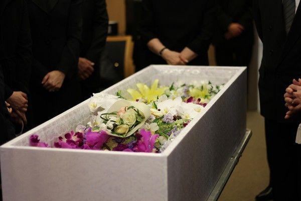急増している家族葬。知っておきたいメリットと注意点