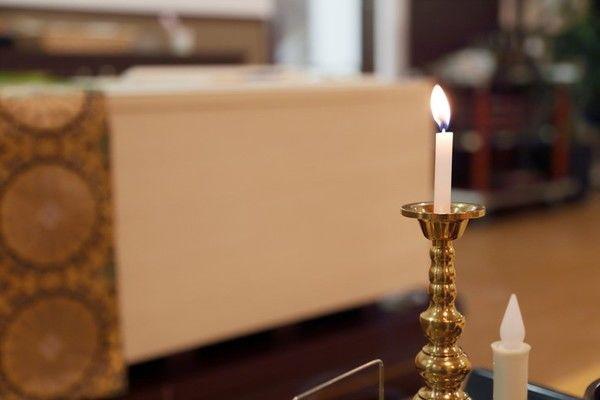 一般葬とは?流れやメリット・デメリット、マナーなど幅広く紹介します