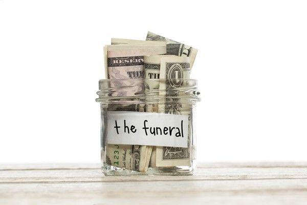 葬儀をしたいのにお金がない場合どうしたらいいの?対処法を紹介