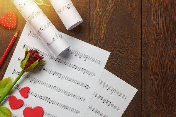 音楽葬はどういう流れで進行する?特徴や普及の背景なども解説