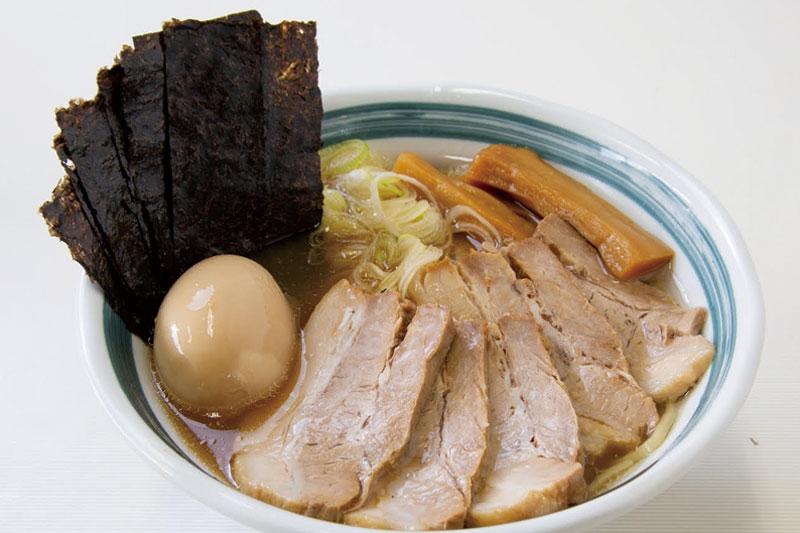 動物系×魚介から抽出した濃厚白湯のWスープ。