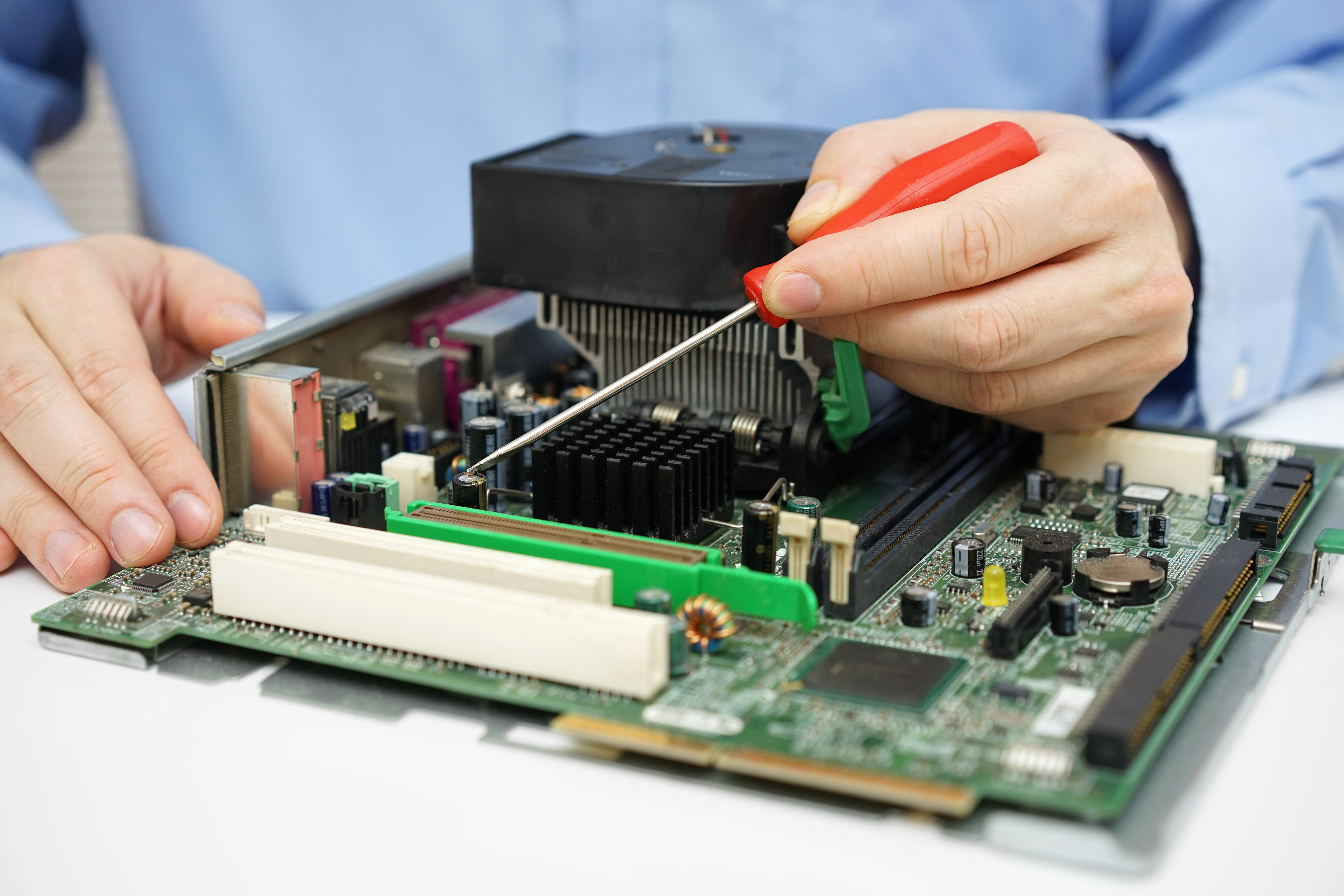 ハードウェアエンジニア(電子回路設計、組込み系ソフトウェア開発、産業機器系のSEいずれか)