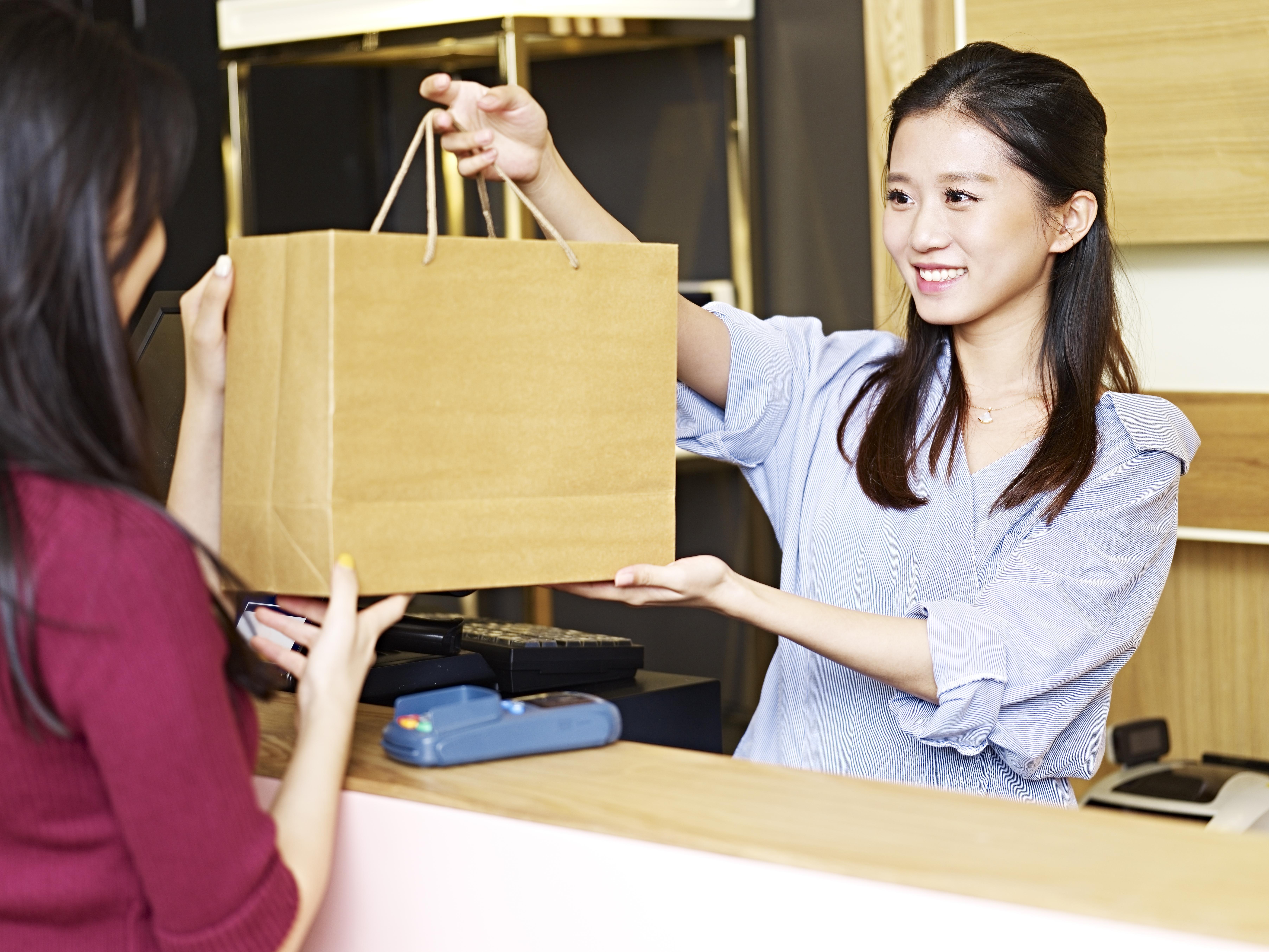 【中国語】キャリアアップが目指せる免税店の接客販売職募集@大阪
