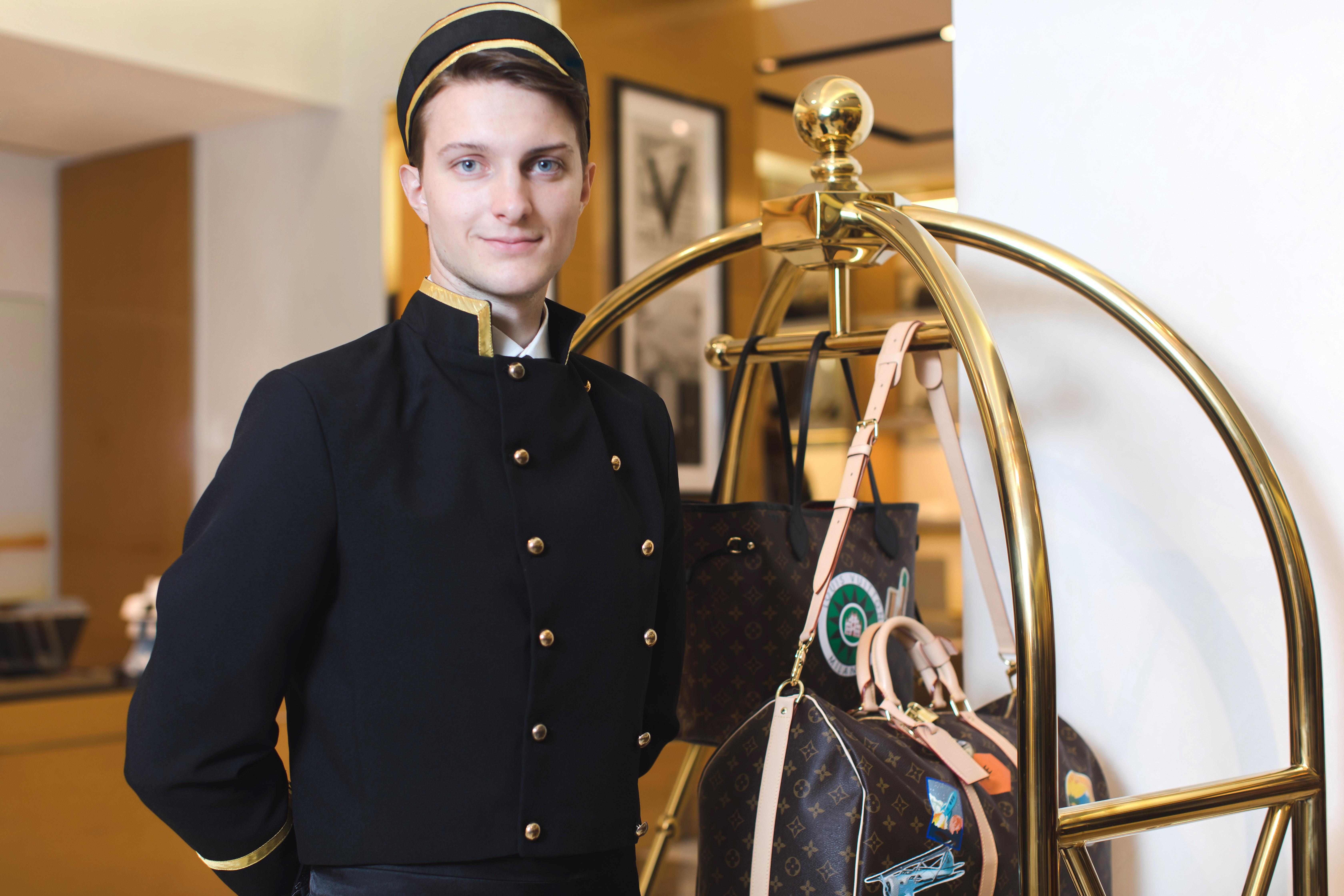 【大阪勤務】ホテル未経験歓迎!世界20カ国で愛される外資系ホテルのベルスタッフのお仕事