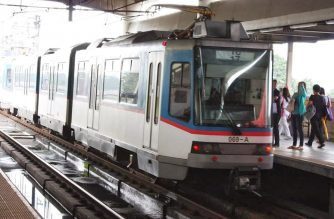 "MRT-3 reminds public not to throw trash following disruption of train ops due to ""lona"" in overhead wires"