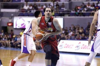The San Miguel Beermen took the lead in the series after defeating the Magnolia Pambansang Manok on Sunday night. /PBA/