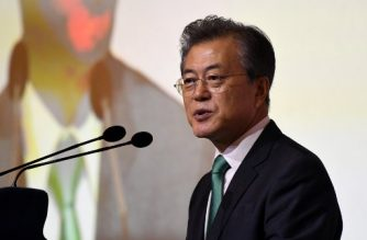 South Korean President Moon Jae-in delivers his adresses at the ISEAS-Yusof Ishak Institute 42nd Singapore lecture on July 13, 2018 during a three-day state visit in Singapore.  / AFP PHOTO / ROSLAN RAHMAN