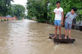 News in photos: Flooded roads in Licab, Nueva Ecija