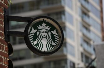 Starbucks is closing more than 8,000 stores across the United States Tuesday to conduct employee training on racial bias, a closely watched exercise that spotlights lingering problems of discrimination nationwide.  / AFP PHOTO / KENA BETANCUR