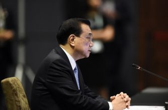 Chinese Premier Li Keqiang speaks during the ASEAN-China summit on the sidelines of the 33rd Association of Southeast Asian Nations (ASEAN) summit in Singapore on November 14, 2018. (Photo by Lillian SUWANRUMPHA / AFP)