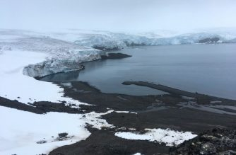 The Collins glacier on King George Island has retreated in the last 10 years and shows signs of fragility, in the Antarctic on February 2, 2018. - Glaciers that melt before your eyes, marine species that appear in areas where they previously didn't exist: in Antarctica, climate change already has visible consequences for which scientists are trying to find a response and perhaps solutions for the changes that the rest of the planet can expect. (Photo by Mathilde BELLENGER / AFP) / TO GO WITH STORY BY MATHILDE BELLENGER