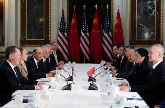US Trade Representative Robert Lighthizer (L) takes part in US-China trade talks with China's Vice Premier Liu He (R) in the Eisenhower Executive Office Building on February 21, 2019 in Washington, DC. - Top Chinese and US trade officials returned to the bargaining table Thursday as the two sides worked to bridge a chasm between the world's two largest economies. (Photo by MANDEL NGAN / AFP)