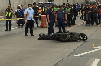 A police officer was shot dead as he was plying the southbound lane of Edsa on Tuesday, March 26./Mar Gabriel/Eagle News/