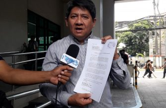 Lawyer Larry Gadon formally opposed on Thursday, March 28, the application bid for the post of justice at the Court of Tax Appeals of Fernan-Cayosa./Moira Encina/Eagle News/