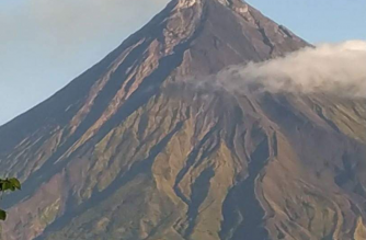 Six volcanic earthquakes, two rockfall events were recorded in Mayon Volcano in a span of 24 hours, PHIVOLCS said./DOST-PHIVOLCS photo/