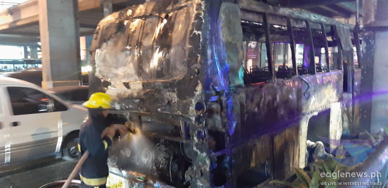 In photos:  What remained of a passenger bus after it burst into flames along EDSA Shaw