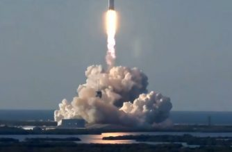 "This still image from video courtesy of SpaceX shows the SpaceX Falcon Heavy Rocket lifting off from Kennedy Space Center in Florida, April 11, 2019. - SpaceX sent its first commercial launch with the Falcon Heavy rocket carrying the six-ton Saudi satellite operated by Arabsat into geostationary orbit about 22,500 miles (36,000 kilometers) above the Earth. (Photo by Handout / SPACEX / AFP) / == RESTRICTED TO EDITORIAL USE  / MANDATORY CREDIT:  ""AFP PHOTO /  SPACEX "" / NO MARKETING / NO ADVERTISING CAMPAIGNS /  DISTRIBUTED AS A SERVICE TO CLIENTS  =="