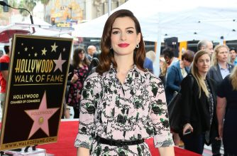US actress Anne Hathaway is honored with the 2,663rd Star on the Hollywood Walk Of Fame in front of the Chinese theatre on May 09, 2019 in Hollywood. (Photo by JEAN-BAPTISTE LACROIX / AFP) / ALTERNATIVE CROP