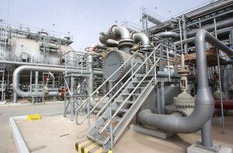 (FILES) This file photo taken on March 22, 2006 shows a general view of an oil plant in Haradh, about 280 kilometres (170 miles) southwest of the eastern Saudi oil city of Dhahran, following its inauguration launching a project adding 300,000 barrels of oil to the kingdom's daily production capacity. - Two pumping stations on a major Saudi oil pipeline were attacked by drones on May 14, 2019, halting the flow of crude along it, Saudi Energy Minister Khalid al-Falih said. He said the attacks on the pipeline from the oil-rich Eastern Province to the Red Sea took place early in the day. Yemen's Huthi rebels said that they had targeted several vital Saudi targets with drones. (Photo by - / AFP)