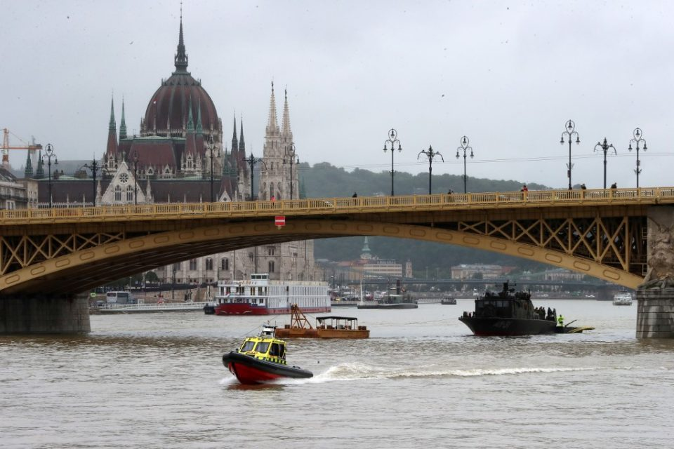 Captain of second boat detained over Budapest river accident