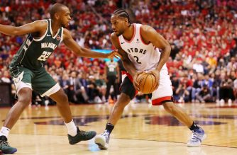 TORONTO, ONTARIO - MAY 19: Kawhi Leonard #2 of the Toronto Raptors handles the ball against Khris Middleton #22 of the Milwaukee Bucks during the second half in game three of the NBA Eastern Conference Finals at Scotiabank Arena on May 19, 2019 in Toronto, Canada. NOTE TO USER: User expressly acknowledges and agrees that, by downloading and or using this photograph, User is consenting to the terms and conditions of the Getty Images License Agreement.   Gregory Shamus/Getty Images/AFP