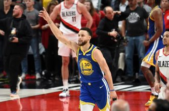 PORTLAND, OREGON - MAY 20: Stephen Curry #30 of the Golden State Warriors celebrates defeating the Portland Trail Blazers 119-117 during overtime in game four of the NBA Western Conference Finals to advance to the 2019 NBA Finals at Moda Center on May 20, 2019 in Portland, Oregon. NOTE TO USER: User expressly acknowledges and agrees that, by downloading and or using this photograph, User is consenting to the terms and conditions of the Getty Images License Agreement.   Steve Dykes/Getty Images/AFP