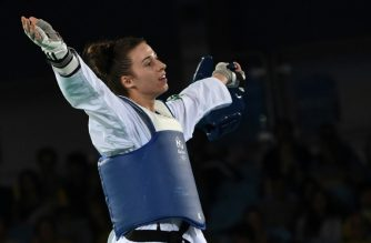 Britain's Bianca Walkden is at the centre of a taekwondo controversy after defeating China's Zheng Shuyin (AFP photo)