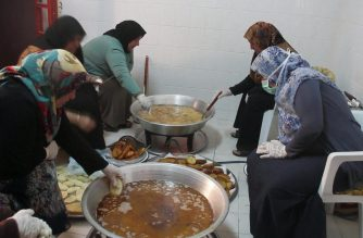 'From mama with love', food parcels for Libya front line