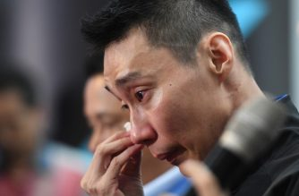 Malaysia's badminton player Lee Chong Wei reacts during a press conference to announce his retirement in Putrajaya on June 13, 2019. - Cancer-hit badminton star Lee Chong Wei announced his retirement on June 13, ending a brilliant career in which he collected a swathe of honours but never won a world or Olympic title. (Photo by Mohd RASFAN / AFP)