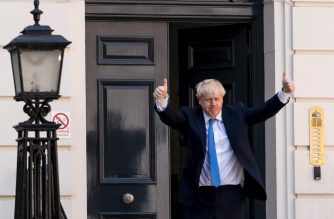 New Conservative Party leader and incoming prime minister Boris Johnson arrives at the Conservative party headquarters in central London on July 23, 2019. - Boris Johnson won the race to become Britain's next prime minister on Tuesday, heading straight into a confrontation over Brexit with Brussels and parliament, as well as a tense diplomatic standoff with Iran. (Photo by Niklas HALLE'N / AFP)