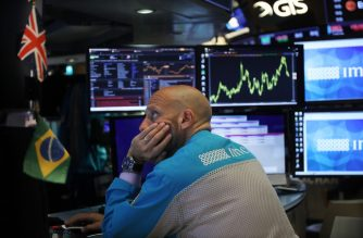 NEW YORK, NEW YORK - SEPTEMBER 18: Traders work on the floor of the New York Stock Exchange (NYSE) on September 18, 2019 in New York City. As concerns about a global economic slowdown mount, the Federal Reserve on Wednesday cut interest rates by a quarter percentage point for the second time since July.   Spencer Platt/Getty Images/AFP