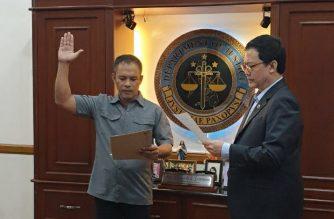 Gerald Bantag on Friday, Sept. 20, took his oath as BuCor director-general before Justice Secretary Menardo Guevarra./Justice Undersecretary Markk Perete/