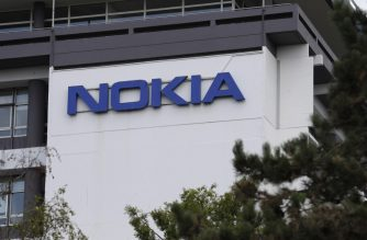 A photo taken on September 7, 2017 shows the Nokia Paris-Saclay campus research centre in Nozay, near Paris. - Finnish telecoms giant Nokia said September 7, it planned to cut around 600 jobs in France as it seeks to make cost-savings and refocus its loss-making businesses. The cuts in France will be focused on administrative and support services and will not effect research and development as it refocuses on high-speed 5G telecom networks, cybersecurity and internet-linked appliances, the group said. Nokia is aiming to make 1.2 billion euros (1.4 billion dollars) in total cost savings by the end of 2018 following net losses of 766 million euros last year. (Photo by Thomas SAMSON / AFP)