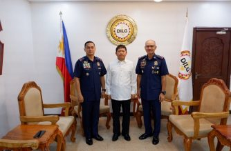 Oscar Albayalde, Lt. Gen. Archie Gamboa and Interior Secretary Eduardo Año./Office of the Chief PNP/