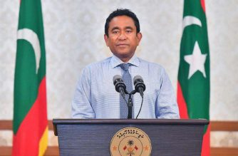 "This handout picture released by the Maldives Presidency on September 24, 2018 shows Maldives President Abdulla Yameen during a statement announcement in Male. - Maldives President Abdulla Yameen on September 24 conceded defeat in elections and said he would arrange a smooth transition for president-elect Ibrahim Mohamed Solih. ""I have accepted the results from yesterday,"" Yameen said in a televised address to the nation after Sunday's election gave the joint opposition candidate 58.3 percent of the vote. (Photo by Handout / MALDIVES PRESIDENCY / AFP)"