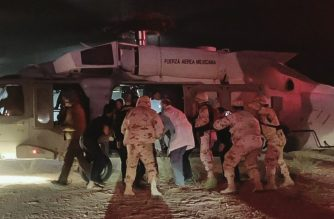 "Handout picture released by the Health Secretary of Sonora state press office showing Medical personnel of the Health Secretary and of the Mexican Air Force transfering five members of the Lebaron family after being injured during an gunmen ambush in the limits of Sonora and Chihuahua in Hermosillo, Mexico, on November 5, 2019. - US President Donald Trump offered Tuesday to help Mexico ""wage war"" on its cartels after three women and six children from an American Mormon community were murdered in an area notorious for drug traffickers. (Photo by HO / Secretary of Health of State of Sonora / AFP) / RESTRICTED TO EDITORIAL USE - MANDATORY CREDIT ""AFP PHOTO / HEALTH SECRETARY OF SONORA STATE"" - NO MARKETING - NO ADVERTISING CAMPAIGNS - DISTRIBUTED AS A SERVICE TO CLIENTS"