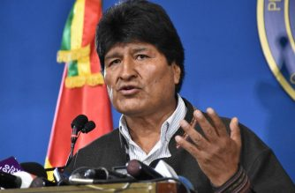"Handout photo released by the Bolivian Presidency of Bolivian President Evo Morales speaking during a press conference in El Alto, on November 9, 2019. - Police in three Bolivian cities joined anti-government protests Friday, in one case marching with demonstrators in La Paz, in the first sign security forces are withdrawing support from President Evo Morales after a disputed election that has triggered riots. (Photo by HO / Bolivian Presidency / AFP) / RESTRICTED TO EDITORIAL USE - MANDATORY CREDIT ""AFP PHOTO / BOLIVIAN PRESIDENCY "" - NO MARKETING NO ADVERTISING CAMPAIGNS - DISTRIBUTED AS A SERVICE TO CLIENTS"