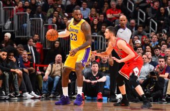CHICAGO, IL - NOVEMBER 5: LeBron James #23 of the Los Angeles Lakers handles the ball against the Chicago Bulls on November 5, 2019 at United Center in Chicago, Illinois. NOTE TO USER: User expressly acknowledges and agrees that, by downloading and or using this photograph, User is consenting to the terms and conditions of the Getty Images License Agreement. Mandatory Copyright Notice: Copyright 2019 NBAE   Jesse D. Garrabrant/NBAE via Getty Images/AFP