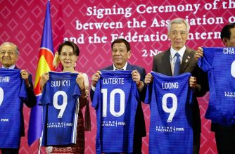 President Rody Duterte and other heads of governments and states receives a commemorative T-shirt during the signing of the memorandum of understanding between the ASEAN and the Fédération Internationale de Football Association (FIFA) on November 2./PCOO/.